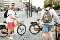 Familjen Hogeboom från Holland väljer hyrcyklar när de besöker Köpenhamn.