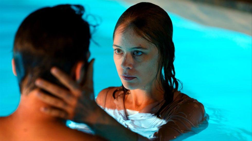 Paula Beer spelar huvudrollen Undine.