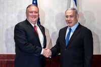 USA:s utrikesminister Mike Pompeo och Israels premiärminister Benjamin Netanyahu under ett möte i Lissabon i december. Arkivbild.