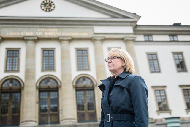 """""""Hur ska jag veta att det är en korrekt återkallelse"""" säger Finanslandstingsrådet Iréne Svenonious till SvD med anledning av falsklarmet."""