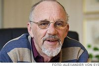 """Leif Cederqvist dömdes villkorligt för trolöshet mot huvudman efter Motalaskandalen 1995. Han fick även betala ett femsiffrigt skadeståndsbelopp. """"Rättegången var hemsk. Åhörarna fnittrade och uppträdde som hyenor"""", minns han."""
