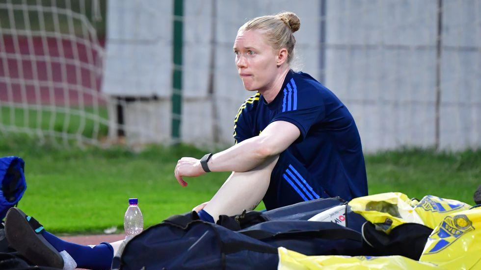 Hedvig Lindahl tränade inte alls på måndagen på grund av knät.