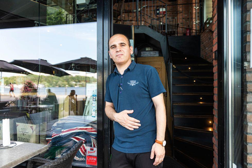 """""""Det är helt fantastiskt. Vi är väldigt nöjda med den här regeln"""", säger restaurangägaren Hemn Rasoul"""