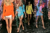 Underklädeskedjan Victoria's Secret säljs. Arkivbild