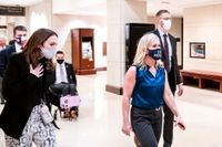Stängs av från utskott – nu kan hon uteslutas