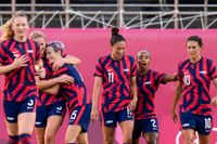 USA firar ett mål i bronsmatchen i OS mot Australien.