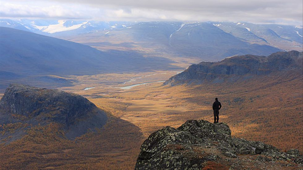 Lappland kallas för Europas sista vildmark av CNN, som ger fyra skäl till att åka till norra Sverige på semester.