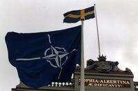 Det är inte ofta Natoflaggan vajar utanför UD, som här 1996 med anledning av ett besök av Natos dåvarande generalsekreterare Javier Solana.