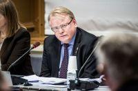 Försvarsminister Peter Hultqvist i ett KU-förhör 2015.