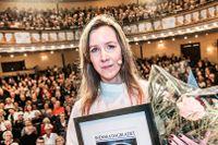Linnea Axelsson belönades med SvD:s litteraturpris på tidningens litterära evenemang Bokens dag på Oscarsteatern i Stockholm 12 november. Två veckor senare tog hon emot Augustpriset.