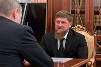 I den ryska delrepubliken Tjetjenien styr Ramzan Kadyrov. Den som kritiserar honom lever farligt.