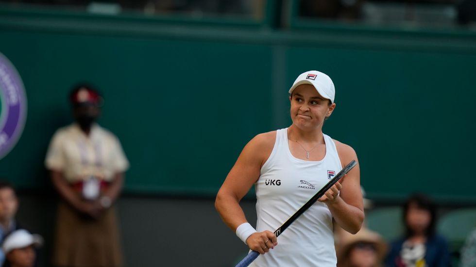 Australiens Ashleigh Barty imponerar i Wimbledon.