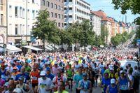 Löpare under fjolårets upplaga av Stockholms maratonlopp.
