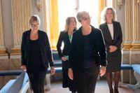 Tillträdande akademiledamöterna Tua Forsström, Anne Swärd, Ellen Mattson, och Åsa Wikforss möts för första gången alla fyra i Börshuset i Gamla stan.