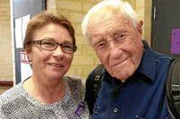104-årige David Goodall har samlat in pengar via crowdfundingsajten Gofundme för att kunna begå självmord. Carol O'Neill från organistationen Exit International har hjälpt honom.