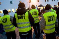 Förbjud fackliga sympatiåtgärder och inför en proportionalitetsprincip, skriver Siri Steijer och Johanna Grönbäck.