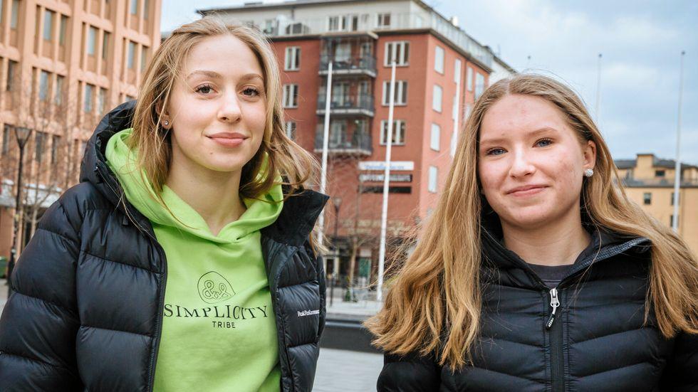 I dag är rån inget som oroar ungdomar i Sollentuna, säger Roya och Tuva, som går på gymnasiet.