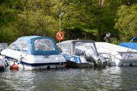 Fritidsbåtar i sitt rätta element. Värre gick det för en båtförare i Tranås, som hamnade vid golfbanan. Arkivbild.