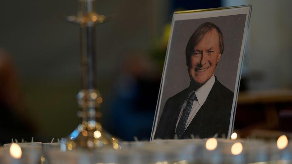 Mördade David Amess hedras i parlamentet