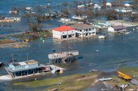 Översvämningar och förstörelse i Lauras spår i Cameron i Louisiana i USA.