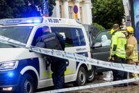 Två kvinnor dog och ytterligare åtta personer skadades när Abderrahman Bouanane gick till attack med kniv mot personer i centrala Åbo. Bilden är tagen strax efteråt vid Salutorget i Åbo.