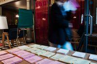 Röstning i kyrkovalet i St Clara Lillkyrka i Stockholm på söndagen.