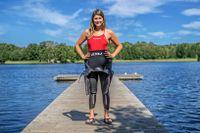 Annie Thorén från Motala är professionell triatlet. Första simtävlingen klarade hon av som femåring.