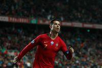 Cristiano Ronaldo har problem med en fot och riskerar att missa Nations League-matcherna mot Kroatien och Sverige. Arkivbild.
