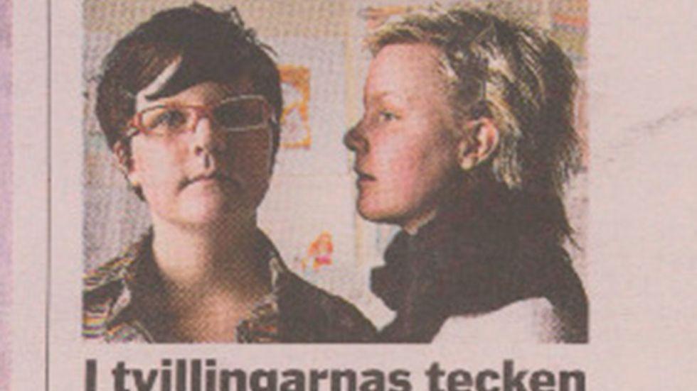 Ur SvD:s förstasida 8 mars 2004. Puff till intervjun med tvillingsystrarna Adbåge, då 21 år, som båda är illustratörer.