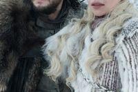 Jon Snow och Daenerys Targaryen spelas av Kit Harington och Emilia Clarke.