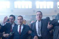 Advokaten Bill Bufalino (Ray Romano) och livvakten Frank Sheeran (Robert De Niro) tillsammans med fackföreningsbossen Jimmy Hoffa (Al Pacino).