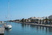 För svenska spekulanter är två områden mest populärt, Algarvekusten och Cascais utanför Lissabon.