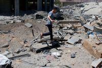 Ett hus i norra Gaza som träffats av israeliskt flyganfall på måndagsmorgonen.