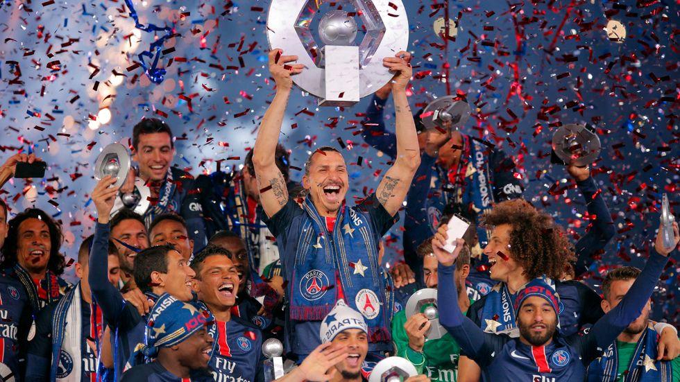 Zlatan Ibrahimovic, i mitten, tog många av sina titlar i PSG. Arkivbild.