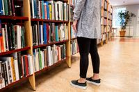 Unga i Vimmerby kommun ska få som sommarjobb att läsa böcker.