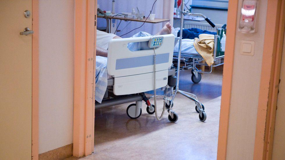 Läkare vittnar om platsbrist på sjukhusen.