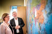 Biståndsminister Peter Eriksson och Sida:s generaldirektör Carin Jämtin presenterar det svenska biståndet för 2019.