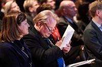 Försvarsministern letar pengar i budgeten vid Sälenkonferensen.
