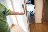 Branschorganisationen Vårdföretagarna, som organiserar företag inom den privata och idéburna äldreomsorgen, riktar hård kritik mot Sveriges coronastrategi för äldreomsorgen i en ny rapport. Arkivbild.