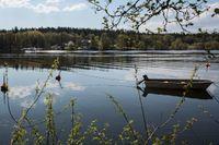 Ungefär hälften av svenskarna får sitt vatten från sjöar, som Mälaren för stockholmarna. Arkivbild.