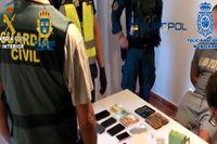 71 personer, som kopplas till ett mycket våldsamt kriminellt nätverk som tros ha smugglat tonvis med droger från Spanien till Sverige, har gripits.