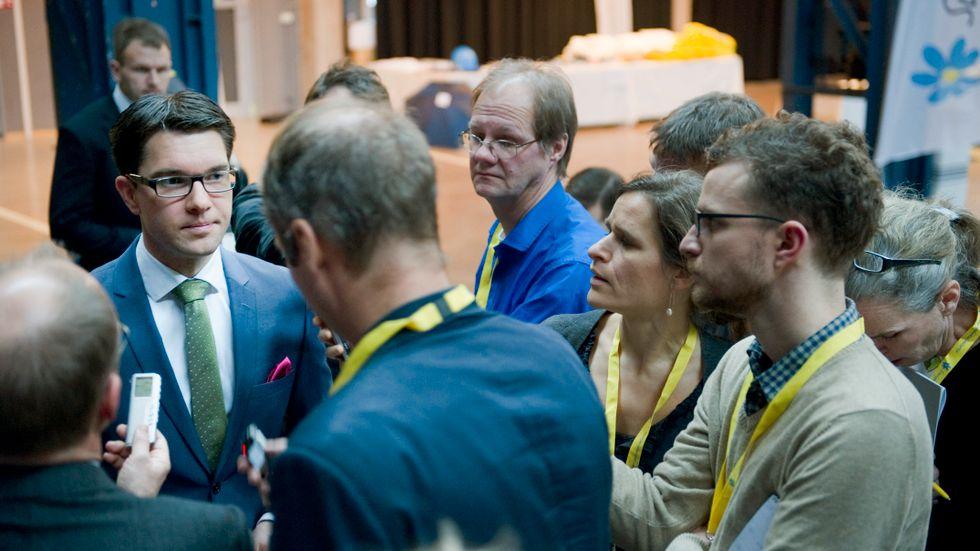 November 2011. Jimmie Åkesson möter media efter sitt tal under SD:s landsdagar i Göteborg.
