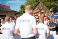 Nordiska motståndsrörelsen (NMR) möter protester vid Hamnplan i Visby under politikerveckan i Almedalen. Arkivbild.