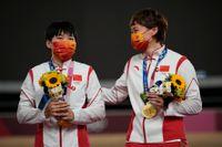 Shanju Bao och Tianshi Zhong.