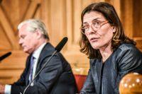 KU:s ordförande Karin Enström (M) presenterar Konstitutionsutskottets granskning av regeringens pandemihantering.