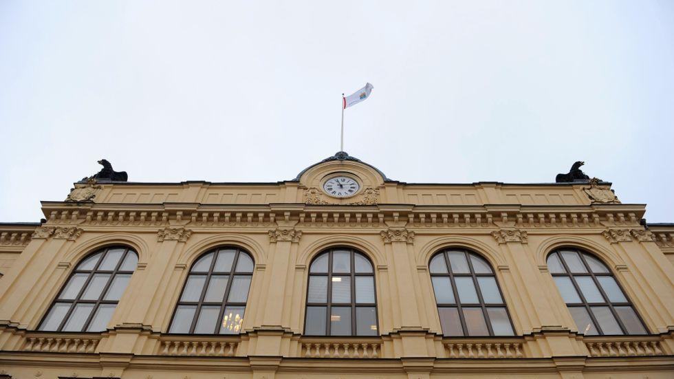 En man häktas för flera våldtäkter i Värmland. Här är Värmlands tingsrätt i Karlstad. Arkivbild.