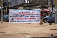 Bilden är tagen i Sierra Leone. Nu kan ebola ha spritt sig även till Uganda i östra afrika.