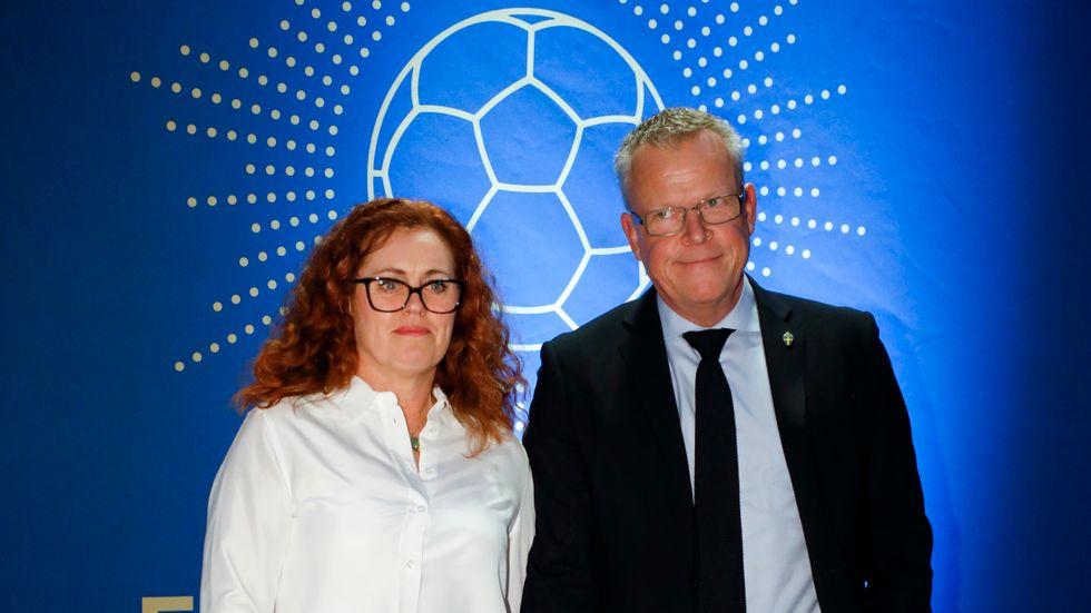 Janne Andersson och frun Ulrika Andersson anländer till Fotbollsgalan 2017 på Ericsson Globe Arena.