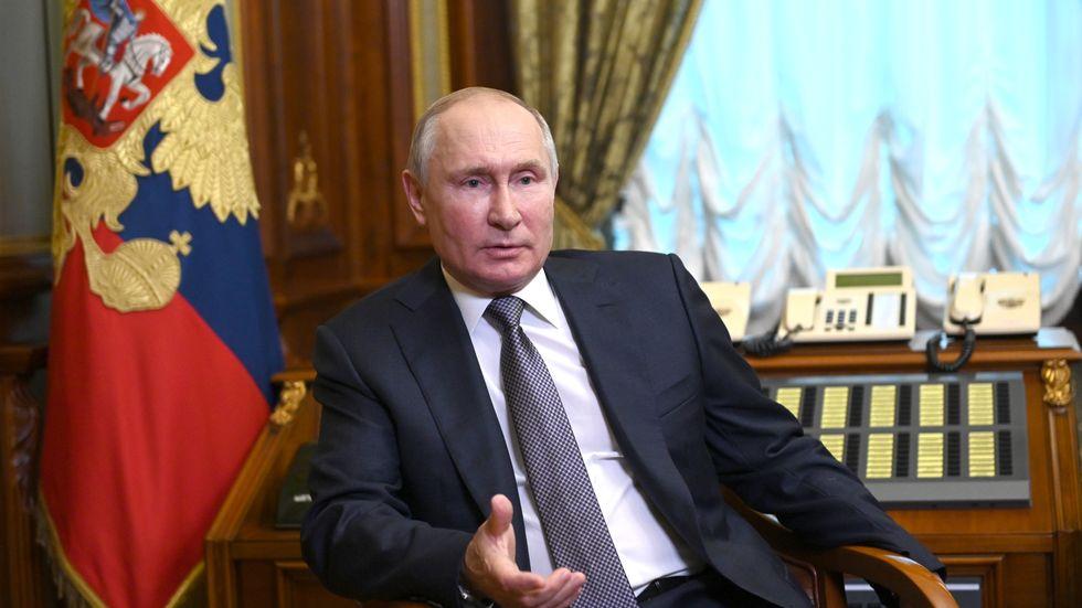 Vladimir Putin i en intervju om sin artikel om Ukraina.