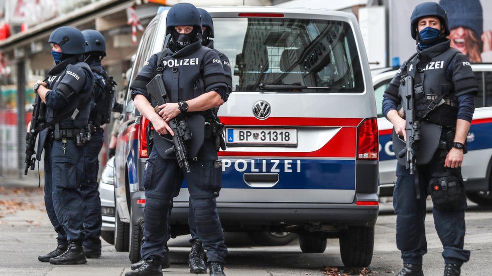Poliser i centrala Wien på tisdagen